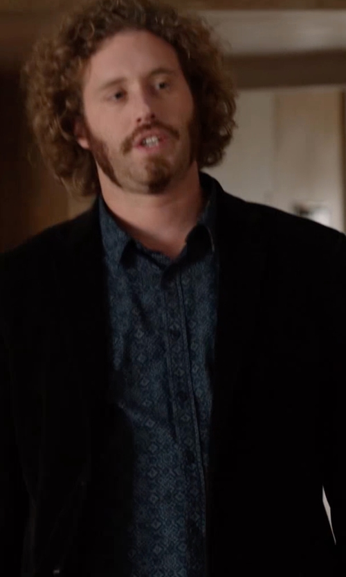 T.J. Miller with Calibrate Trim Fit Print Sport Shirt in Silicon Valley