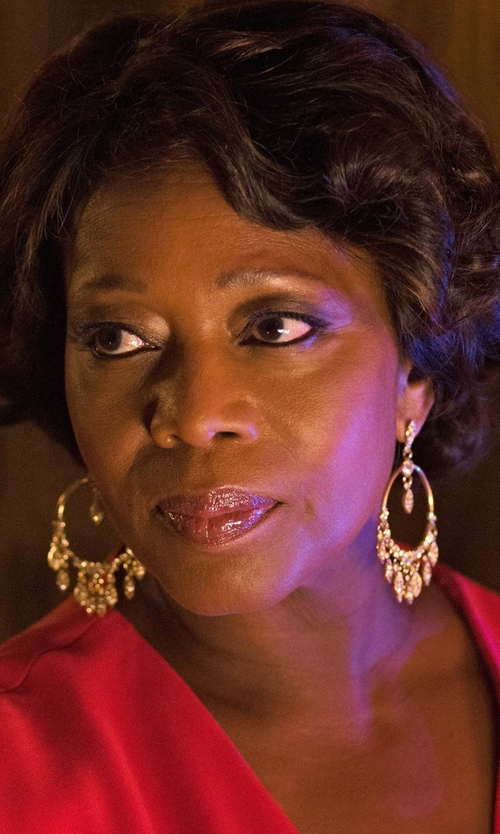 Alfre Woodard with Diane von Furstenberg  Taley Sleeveless Maxi Wrap Dress in Marvel's Luke Cage