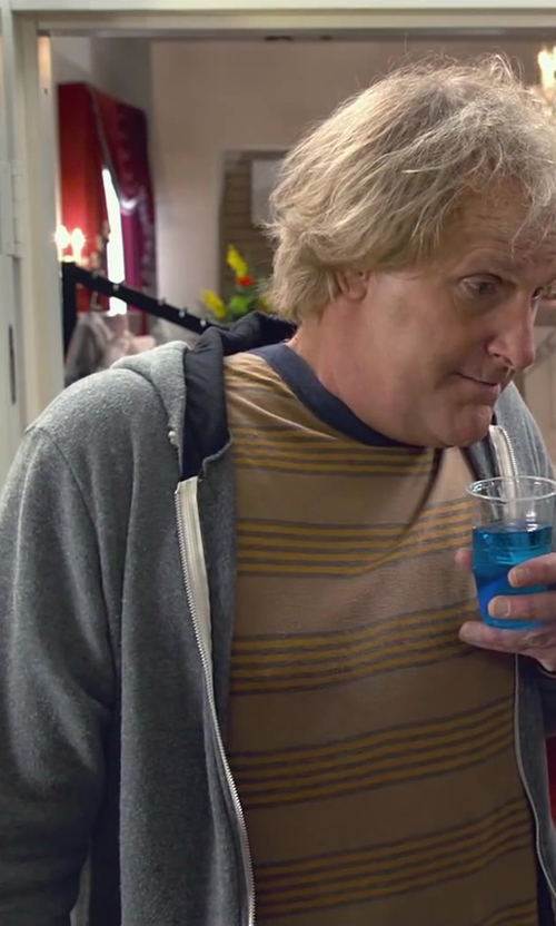 Jeff Daniels with Knost X Rvca Prospect Street Stripe Ss Tee in Dumb and Dumber To