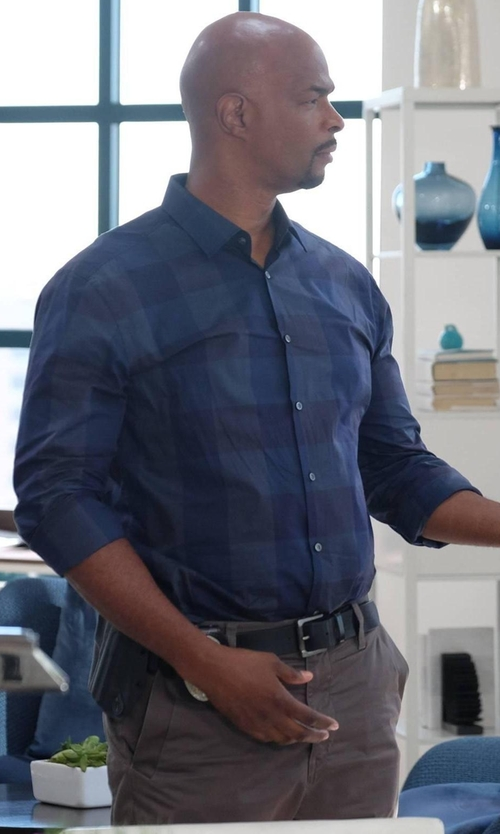 Damon Wayans with AG Adriano Goldschmied Lux Slim-Fit Chino Pants in Lethal Weapon