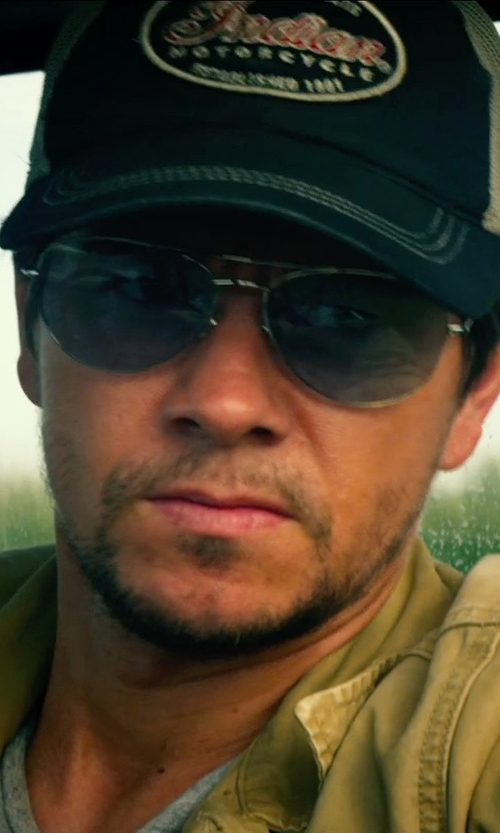 Mark Wahlberg with RAY-BAN AVIATOR GRADIENT in Transformers: Age of Extinction