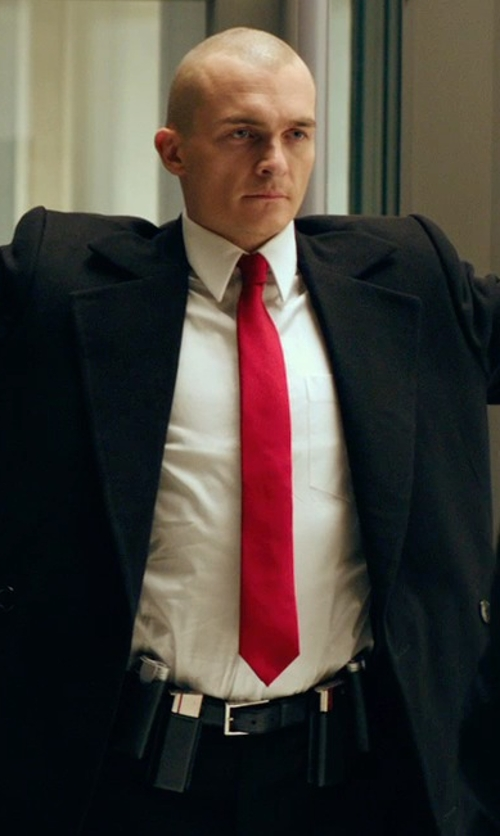 Rupert Friend with Giorgio Armani Grainy Leather Belt in Hitman: Agent 47