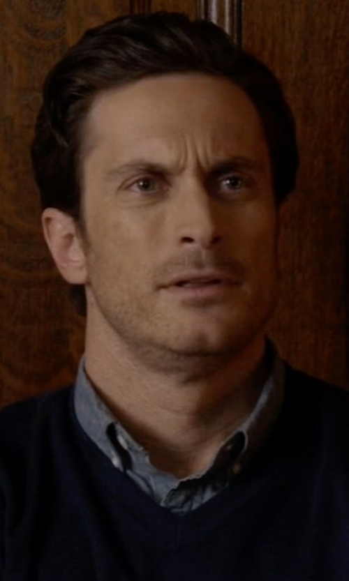Oliver Hudson with J. Crew Japanese Chambray Shirt in Scream Queens