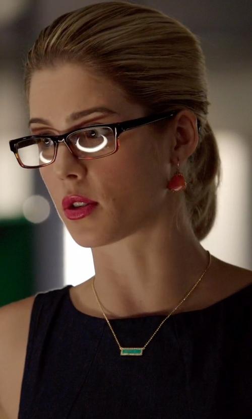 Emily Bett Rickards with Melanie Auld Bar Pendant Necklace in Arrow