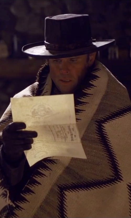 Walton Goggins  with Gaspar Gloves Custom Made 'Walton Goggins' Leather Gloves in The Hateful Eight