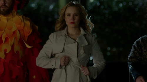Kristen Bell with Ann Taylor Relaxed Trench Coat in The Boss