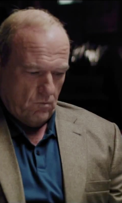 Dean Norris with Dockers Hopsack Blazer in Secret in Their Eyes