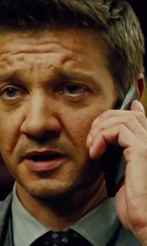 Jeremy Renner with Samsung Galaxy Note 4 Tablet in Mission: Impossible - Rogue Nation