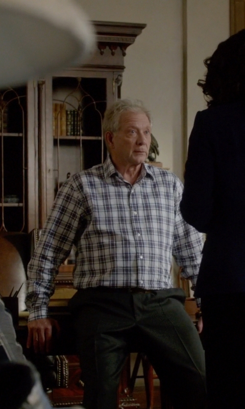 Jeff Perry with Giorgio Armani Suede Belt in Scandal