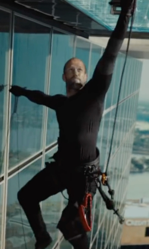 Jason Statham with Under Armour Coldgear Compression Shirt in Mechanic: Resurrection