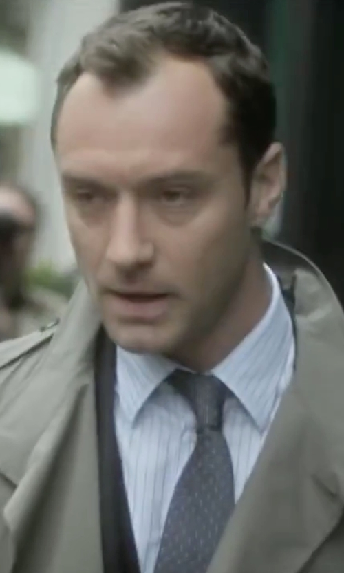 Jude Law with Gianfranco Ferre Vintage Printed Tie in Side Effects