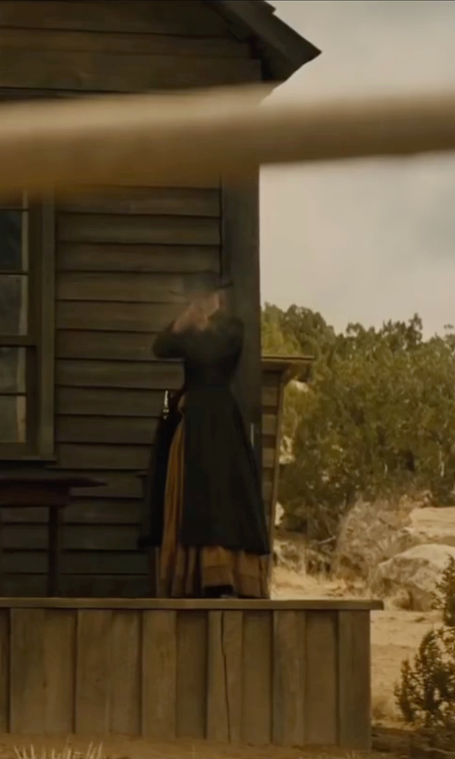 Natalie Portman with Asos Pleated Skirt in Jane Got A Gun