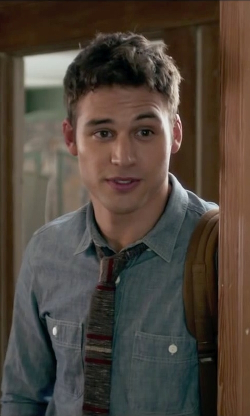 Ryan Guzman with J.Crew Grey Chambray Utility Shirt in The Boy Next Door