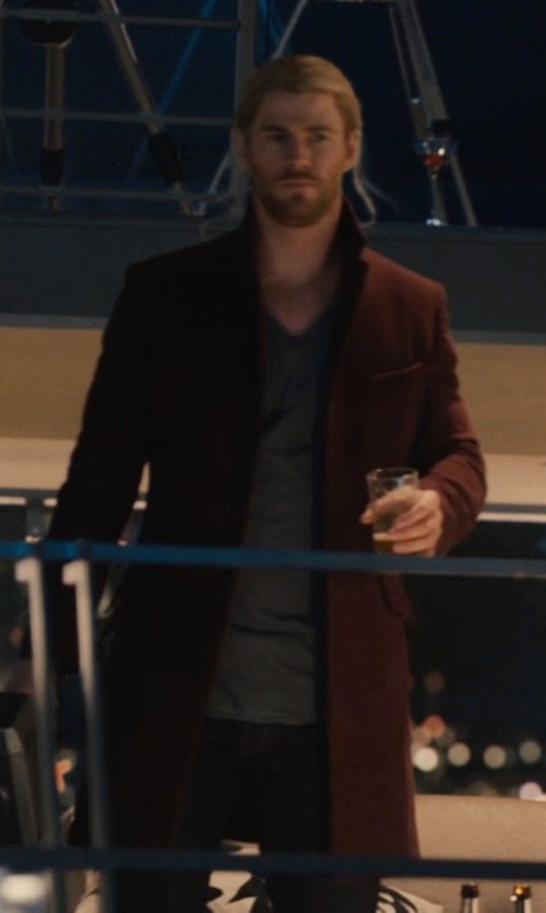 Chris Hemsworth with Meyison Long Single Breasted Button Winter Coat in Avengers: Age of Ultron