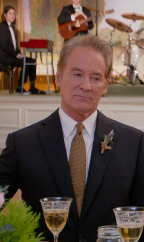 Kevin Kline with Isaac Mizrahi Twill Solid Dress Shirt in Ricki and the Flash