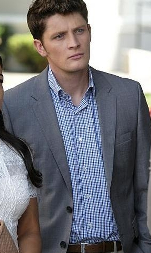 Brett Dier with W. Kleinberg Suede Belt with Interchangeable Buckles in Jane the Virgin
