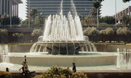 Joseph Gordon-Levitt with The Arthur J. Will Memorial Fountain Grand Park, Los Angeles, California in (500) Days of Summer