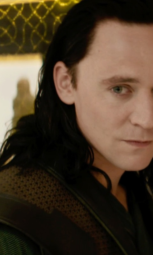 Tom Hiddleston with Wendy Partridge (Costume Designer) Custom Made Prison Wardrobe (Loki) in Thor: The Dark World