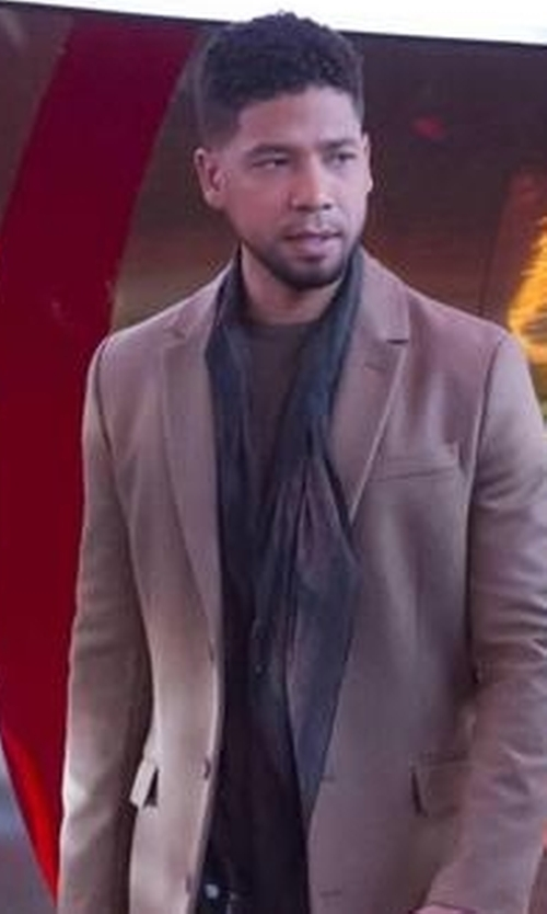 Jussie Smollett with John Varvatos Star USA Ombre Knit Wool & Cashmere Scarf in Empire