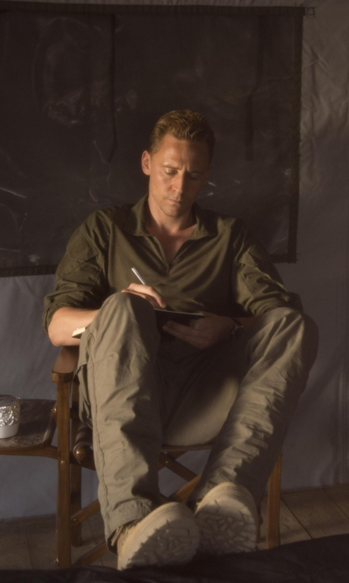 Tom Hiddleston with Tomas Maier Rivera Cotton T-Shirt in The Night Manager