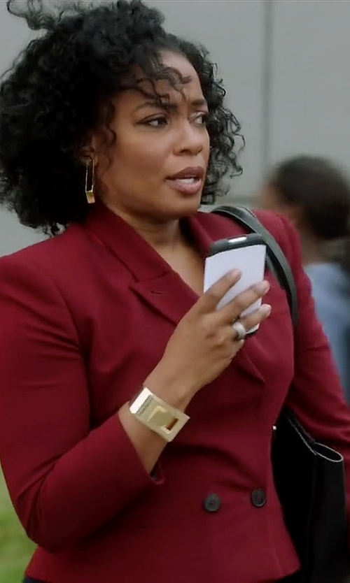 Aunjanue Ellis with Tory Burch 'Perry' Leather Tote Bag in Quantico