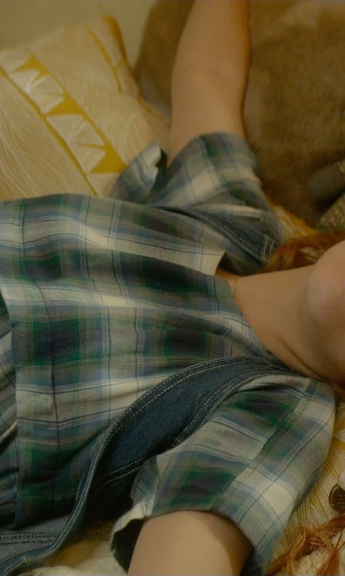 Olivia Cooke with Bella Dahl Frayed Hem Plaid Shirtdress in Me and Earl and the Dying Girl