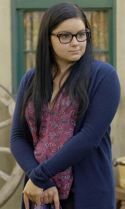 Ariel Winter with Rebecca Taylor Celia Floral Silk Top in Modern Family