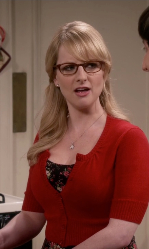Melissa Rauch with Mod Cloth Crop Cardigan in The Big Bang Theory