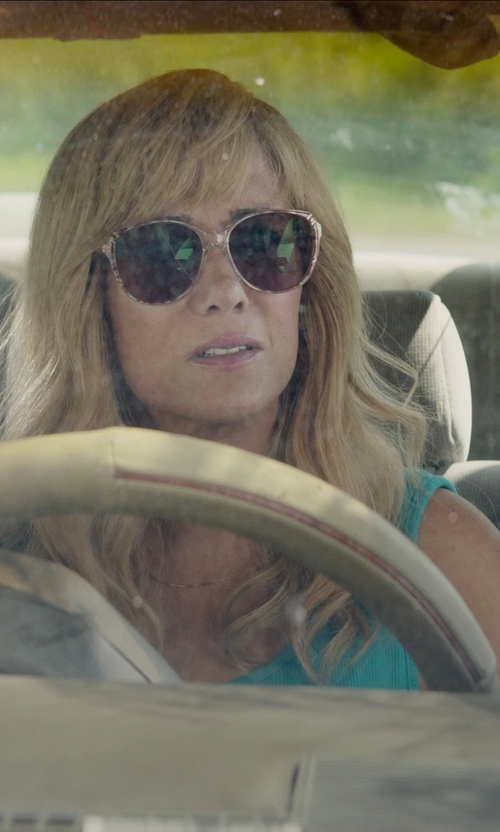 Kristen Wiig with American Apparel Rib U-Neck Tank Top in Masterminds