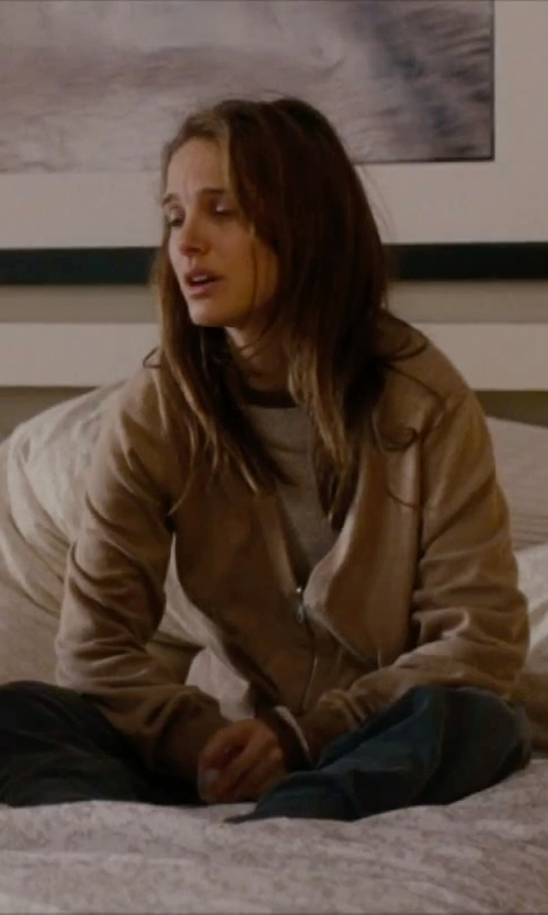 Natalie Portman with Peace Love World Sweatpants in No Strings Attached
