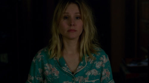 Kristen Bell with Gilligan & O'Malley Short Sleeve Woven Pajama Set in The Boss