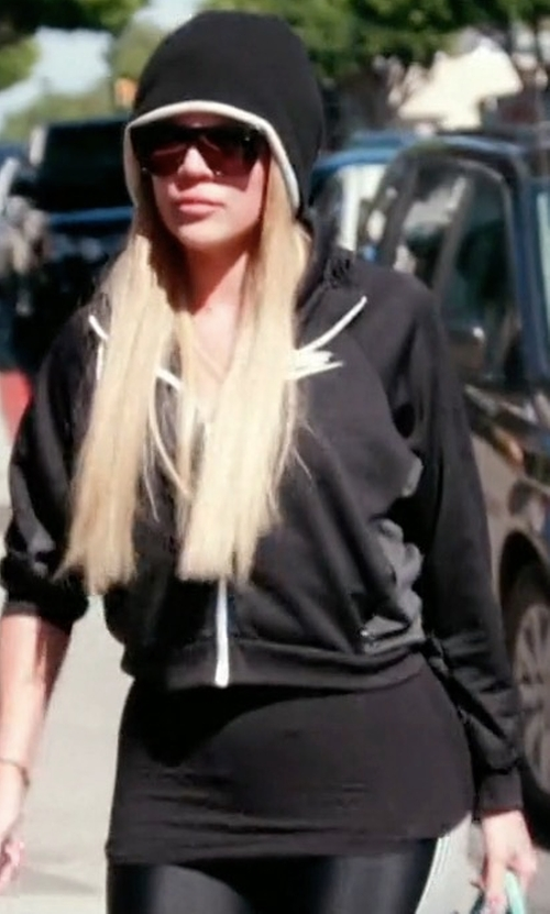 Khloe Kardashian with Nike Power Speed Flash Running Tights in Keeping Up With The Kardashians