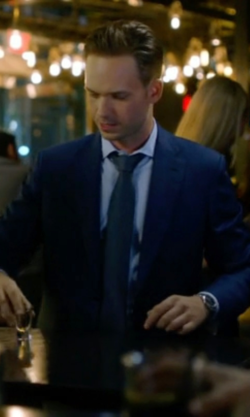 Patrick J. Adams with Canali Houndstooth Two Piece Suit in Suits