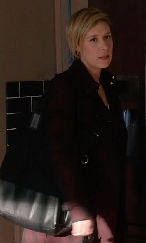 Liza Weil with Marni Leather Tote Bag in How To Get Away With Murder