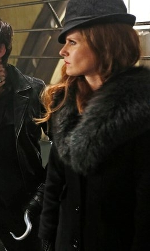 Rebecca Mader with Scala Wool Felt Fedora With Faux Leather Trim And Bow in Once Upon a Time