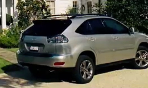 Unknown Actor with Lexus RX 350 SUV in Knocked Up
