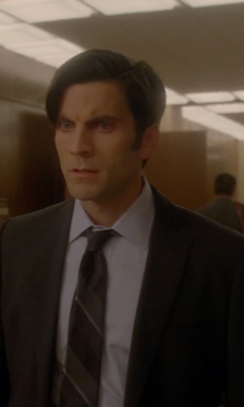 Wes Bentley with Cerruti 1881 Paris Two Piece Suit in American Horror Story