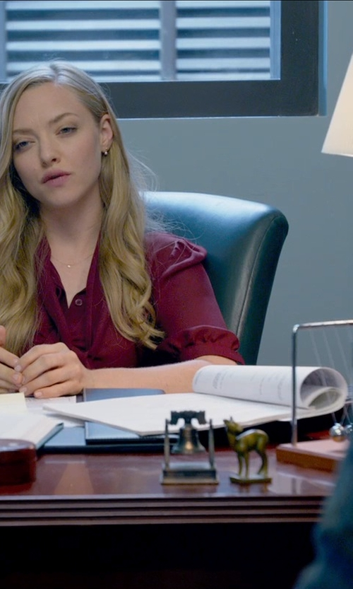 Amanda Seyfried with Westminster Medium Newton's Cradle in Ted 2