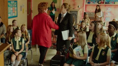 Annie Mumolo with Ann Taylor All Season Stretch Pencil Skirt in The Boss