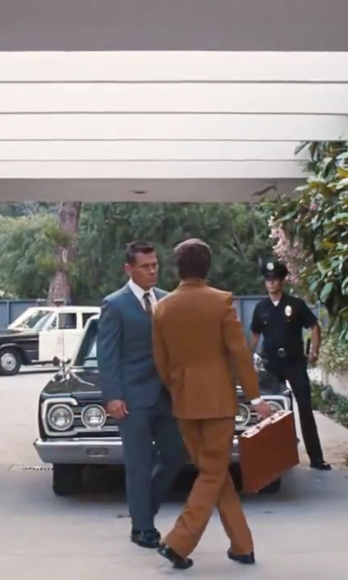 Josh Brolin with Ermenegildo Zegna Floral Satin Jacquard Necktie in Inherent Vice