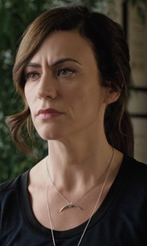 Maggie Siff with Chan Luu Silver Horizontal Horn Necklace in Billions