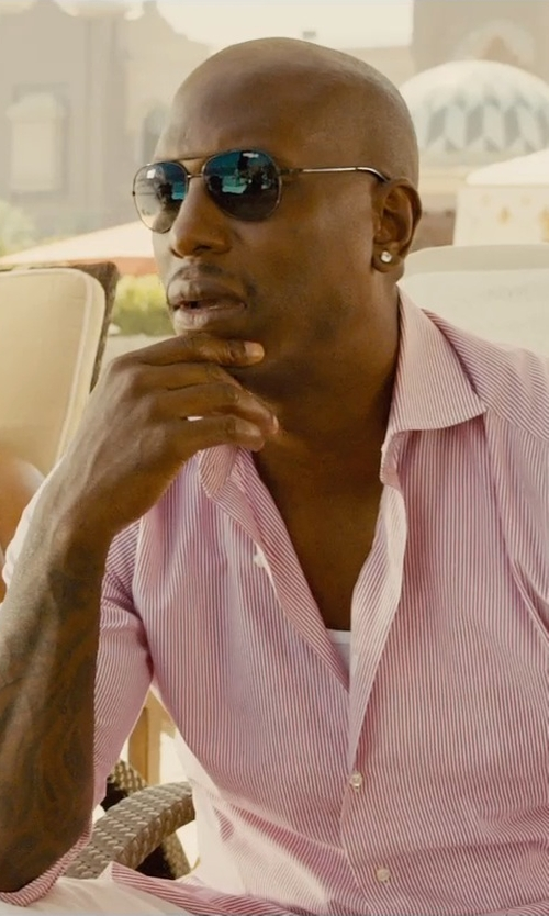 Tyrese Gibson with Vogue Eyewear Black Aviator Sunglasses in Furious 7