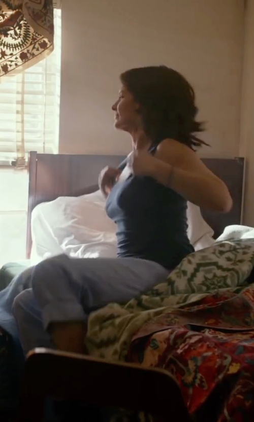 Tina Fey with Alternative Apparel 'Perfect Shirttail' Tank Top in Whiskey Tango Foxtrot