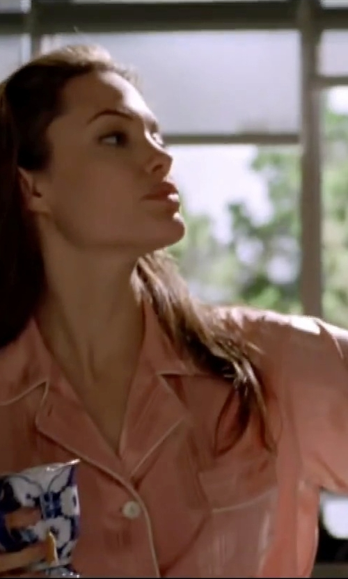 Angelina Jolie with Doula's Store Women Pajamas Summer Style Print Silk in Mr. & Mrs. Smith