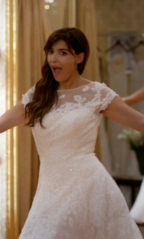 Hannah Simone with Oleg Cassini Cap Sleeve Tulle Wedding Dress in New Girl