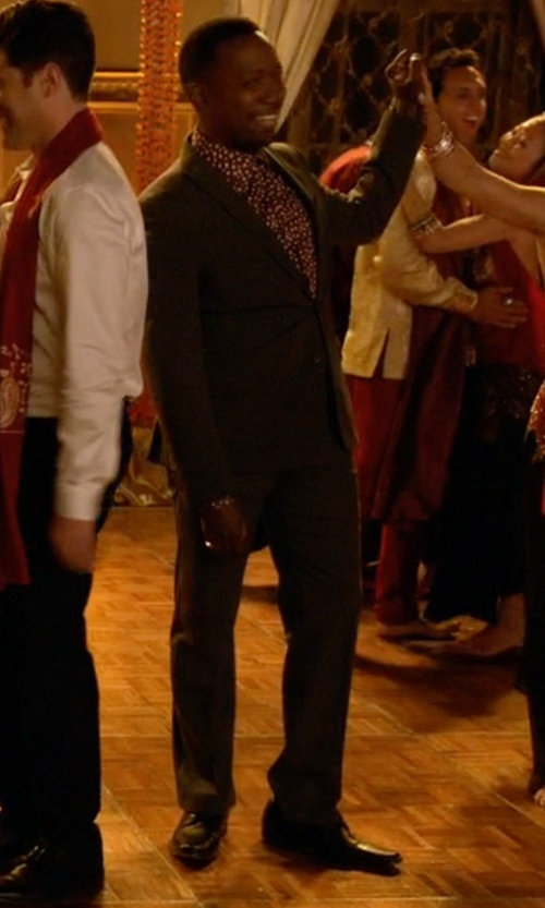 Lamorne Morris with Clarks Tilden Plain Toe Oxford Shoes in New Girl