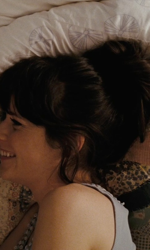 Zooey Deschanel with Sherry Kline China Art Throw Pillow in (500) Days of Summer
