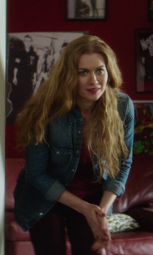 Mireille Enos with Mountain Hardwear Trekkin Thermal Henley Shirt in If I Stay