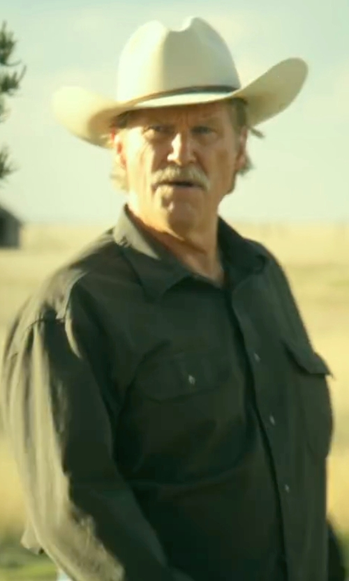 Jeff Bridges with Sean John Lightweight Linen Long-Sleeve Shirt in Hell or High Water