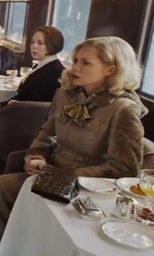 Michelle Pfeiffer with Valenz Handmade Annie Leather Clutch Bag in Murder on the Orient Express
